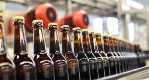 Fliessband Getränkeabfüllung Brauerei / Conveyor Bottling Brew
